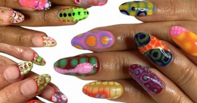 Blooming Gel Nail Art Turns Tips Into Trippy, One-of-a-Kind Masterpieces